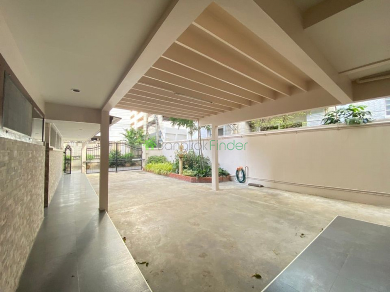 Asoke, Bangkok, Thailand, 4 Bedrooms Bedrooms, ,3 BathroomsBathrooms,House,For Rent,6948