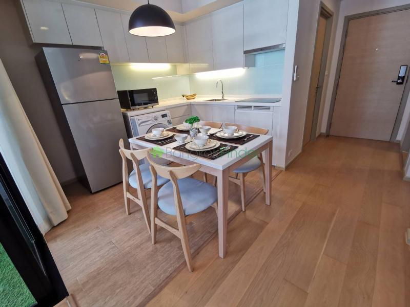 Thonglor, Bangkok, Thailand, 2 Bedrooms Bedrooms, ,2 BathroomsBathrooms,Condo,For Rent,Liv@49,6972