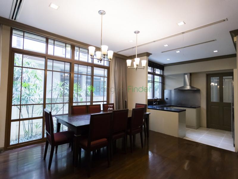 Phra Kanong, Bangkok, Thailand, 4 Bedrooms Bedrooms, ,5 BathroomsBathrooms,House,For Rent,6988