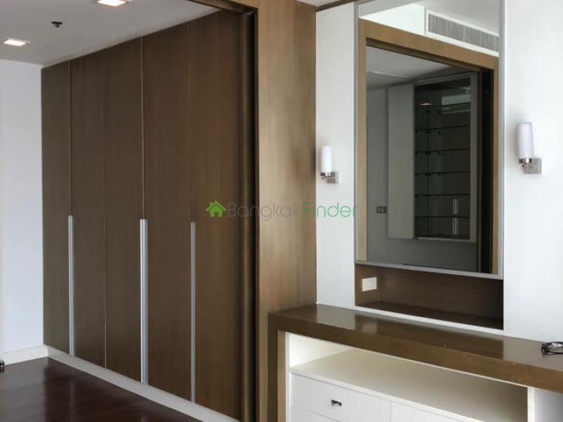 Ekamai, Bangkok, Thailand, 3 Bedrooms Bedrooms, ,3 BathroomsBathrooms,Condo,For Rent,Nusasiri,6990