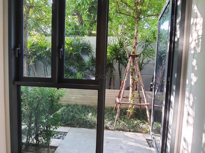 Ekamai, Bangkok, Thailand, 1 Bedroom Bedrooms, ,1 BathroomBathrooms,Condo,For Sale,Taka Haus,7058